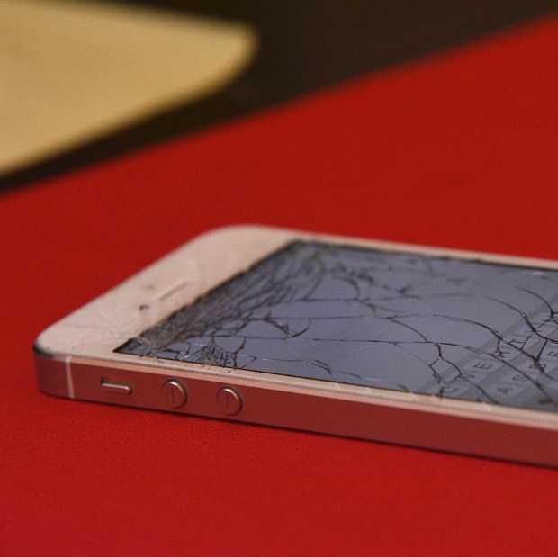 De EU wil dat minder telefoons en tablets worden weggedaan