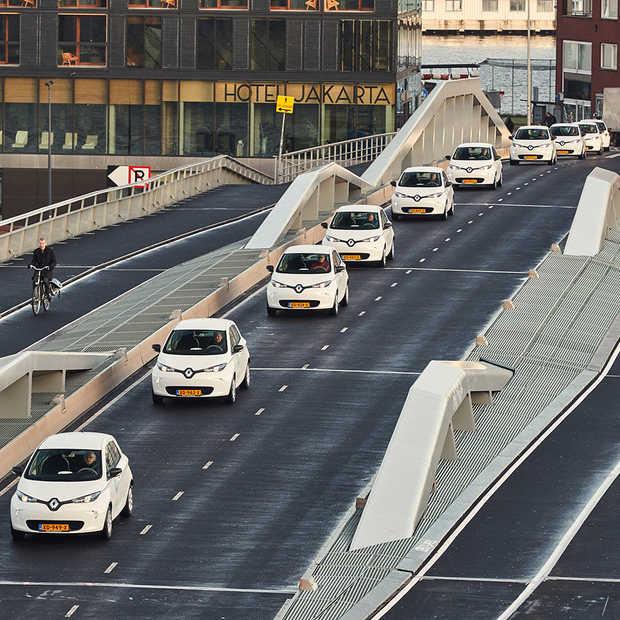 100 elektrische Renault ZOE deelauto's  nu beschikbaar in Amsterdam