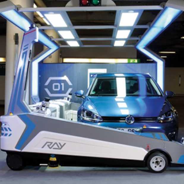 Robot parkeert wagens op Dusseldorf Airport