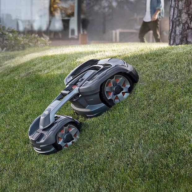 Nieuwe robotmaaier met AI en vierwielaandrijving