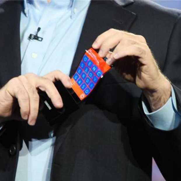 Samsung presenteert een ultradunne en buigbare smartphone tijdens CES 2013