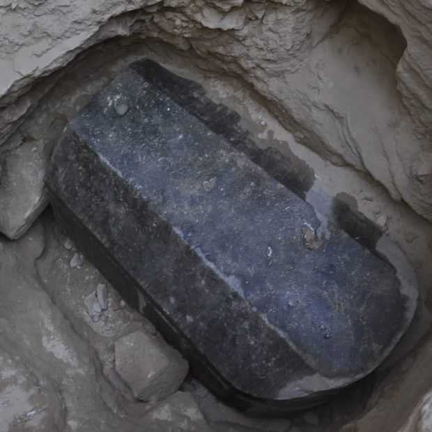 Opening zwarte sarcofaag in Egypte alleen op social media leuk