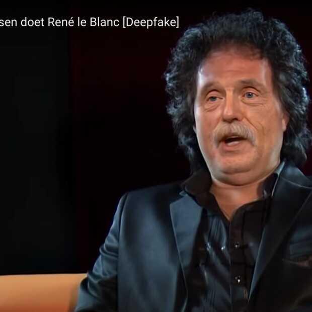 Johan Derksen imiteert zijn favoriete volkszanger René le Blanc