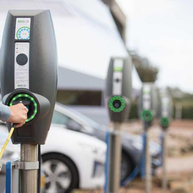 IT-bedrijf Decos heeft als eerste een volledig elektrisch wagenpark