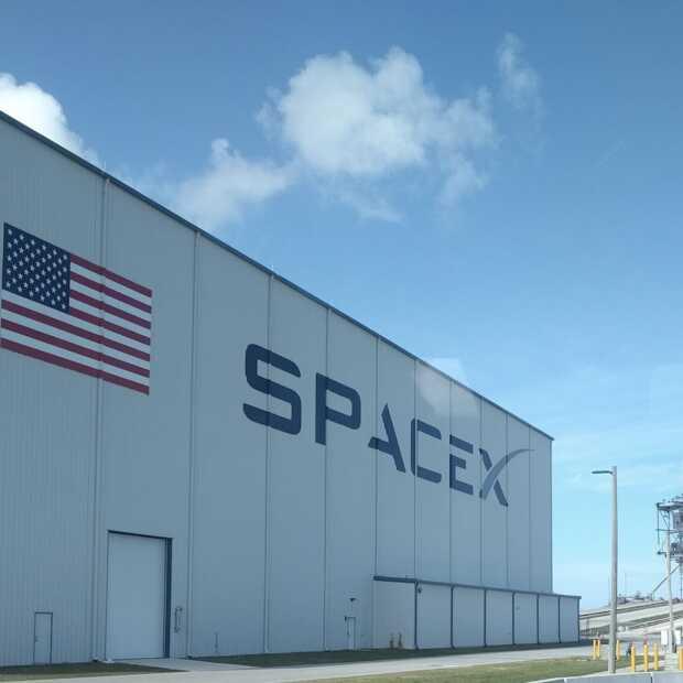 Raket SpaceX ontploft bij landing