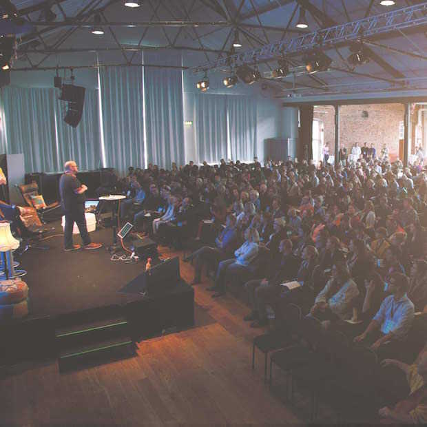 Ruim 70 internationale experts op het podium tijdens SDGC16