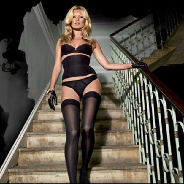 Sexy Kate Moss laat websites crashen
