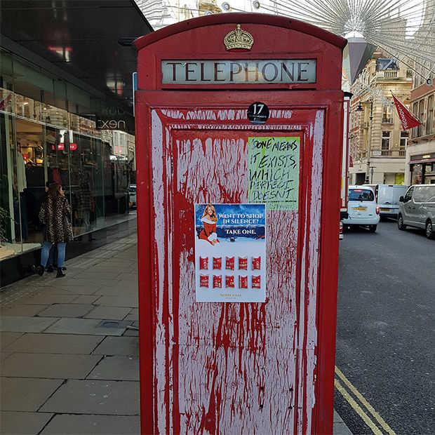 Op Oxford Street in London is men klaar met kerstmuziek #SilenceMariah