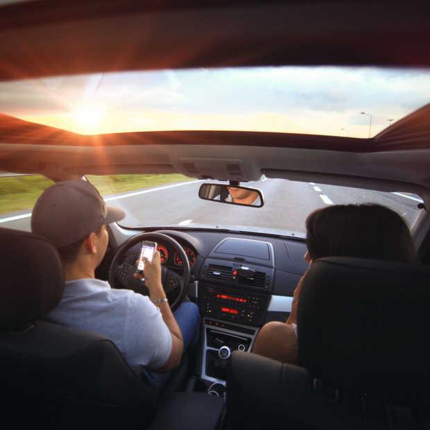 Veilig Verkeer Nederland: automatische smartphoneblokkade in de auto