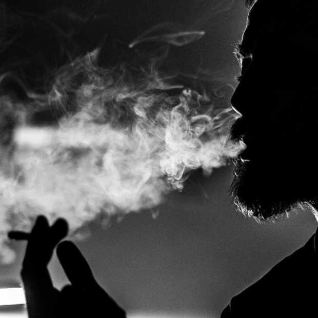 E-sigaret blijkt toch minder schadelijk dan normale sigaret