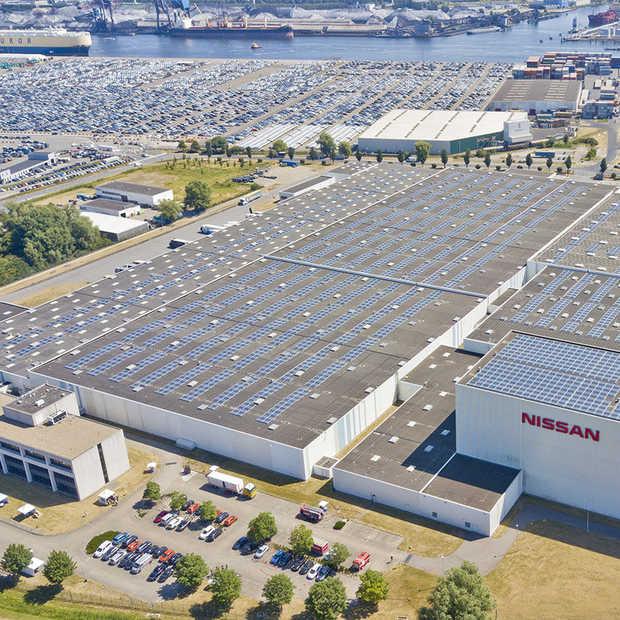 Het zonnedak van Nissan is goed voor 9.000 zonnepanelen