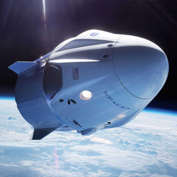 SpaceX stuurt mensen op vakantie naar de baan om de aarde