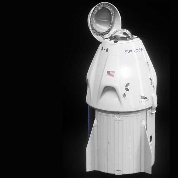 Vandaag: de eerste commerciële burgervlucht van SpaceX