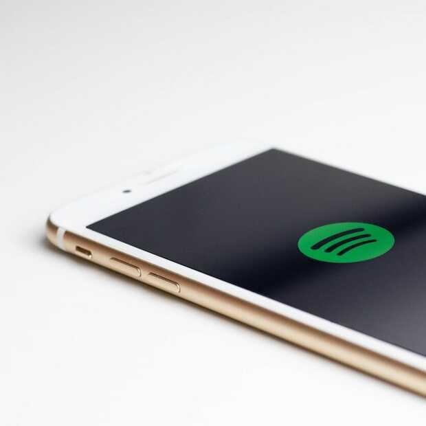 Spotify maakt nu lijstjes met de populairste podcasts per land