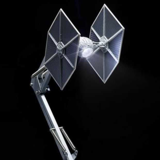Helemaal in de Star Wars sfeer? Check dan deze TIE Fighter lamp