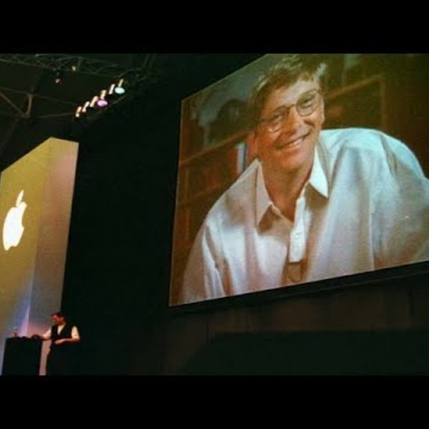 Steve Jobs conflicting point of view about Microsoft (and Bill Gates)