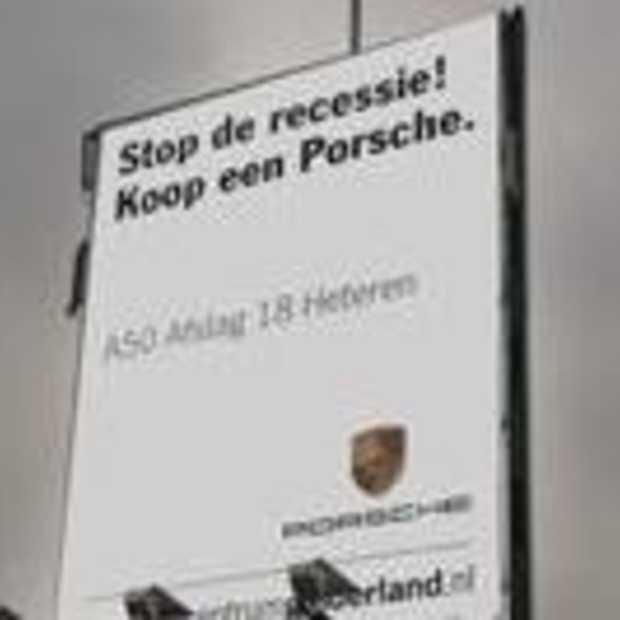 Stop de recessie, koop een Porsche