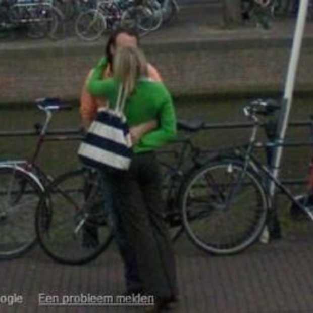 Streetview NL op zoek naar zoenend stel