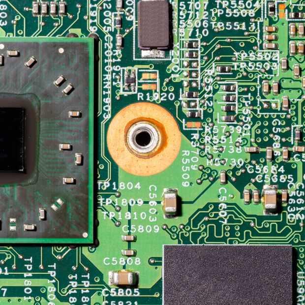 Tesla gaat met AMD werken aan chips voor autonoom rijden