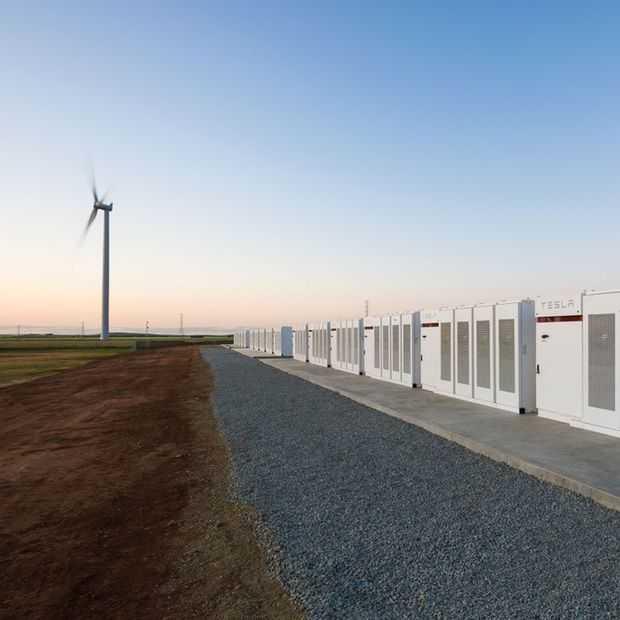 Tesla heeft de grootste batterij ter wereld gebouwd in Australië