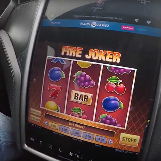 Online gamen tijdens het autorijden: Tesla staat het toe