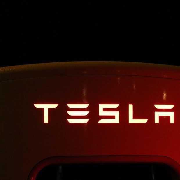 Zelfrijdende Tesla-taxi's volgend jaar op de weg