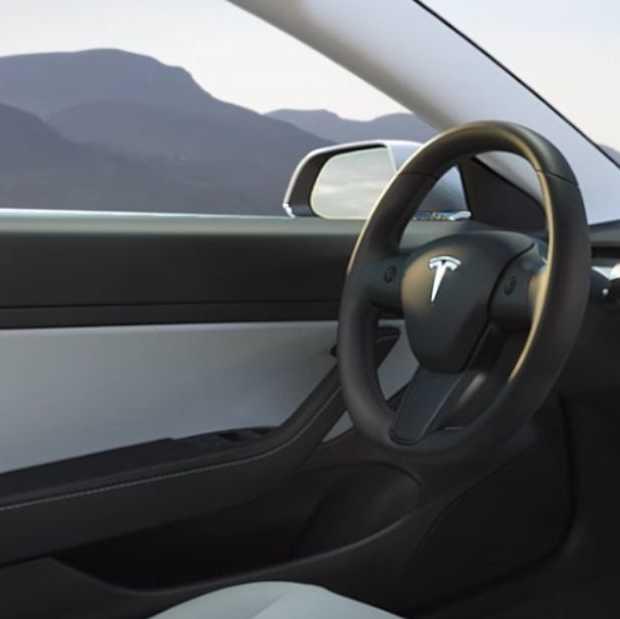 Tesla test hackers: kraak Tesla Model 3