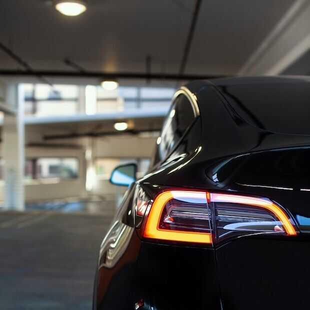 Eerste Chinese Tesla Model Y afgeleverd in Duitsland