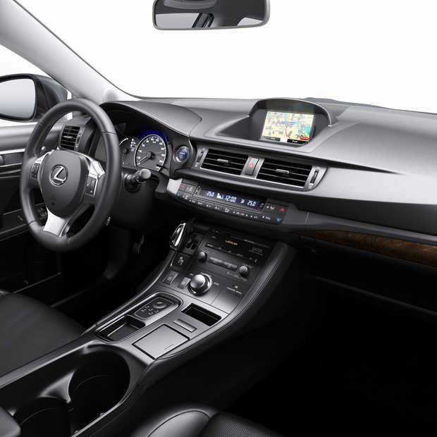 TomTom lanceert CT MoveOn Navi voor Lexus CT200h