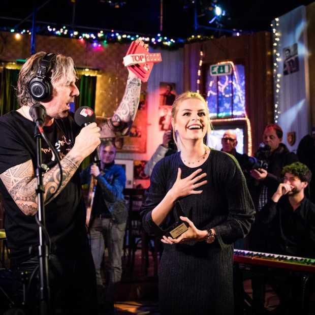 Davina Michelle ontvangt de NPO Radio 2 Top 2000 Award