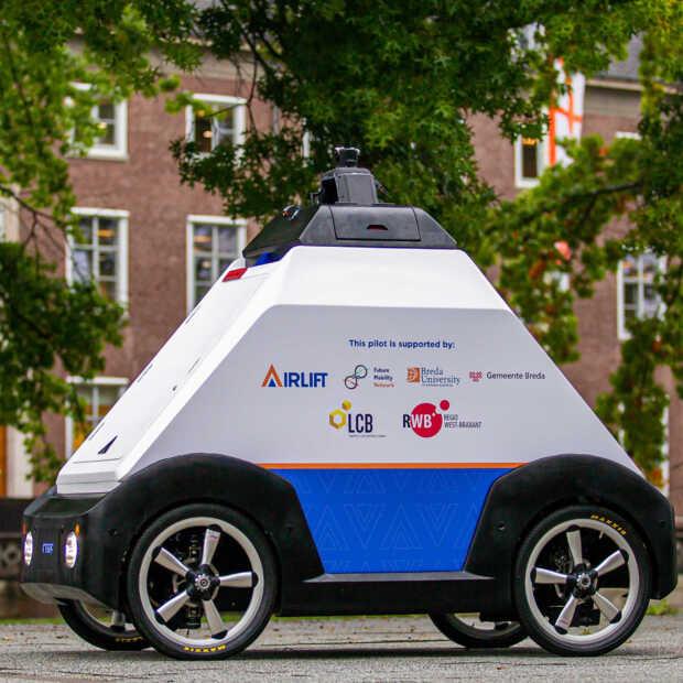 Bezorgrobot rijdt op campus HBO in Breda: 'Zien hoe de toekomst eruit ziet'