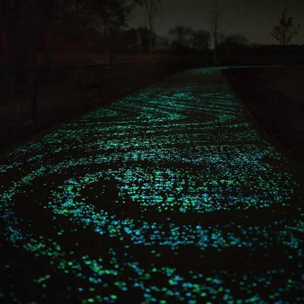 Fietspad geïnspireerd op Van Gogh's sterrennacht