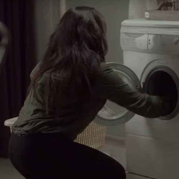 Viral commercial van wasmiddelmerk Ariel over mannen in het huishouden