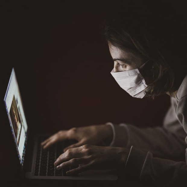 Middelbare school schorst tiener die foto tweette van slechte covid-maatregelen