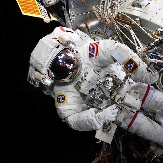 Historisch moment: vrouwelijke NASA-astronauten maken voor het eerst alleen ruimtewandeling