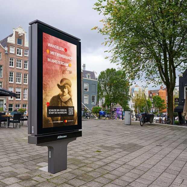 Rembrandt is nu ook een tourguide in Amsterdam