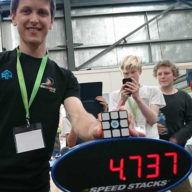 Bizar nieuw wereldrecord Rubik's Cube: 4.7 seconden