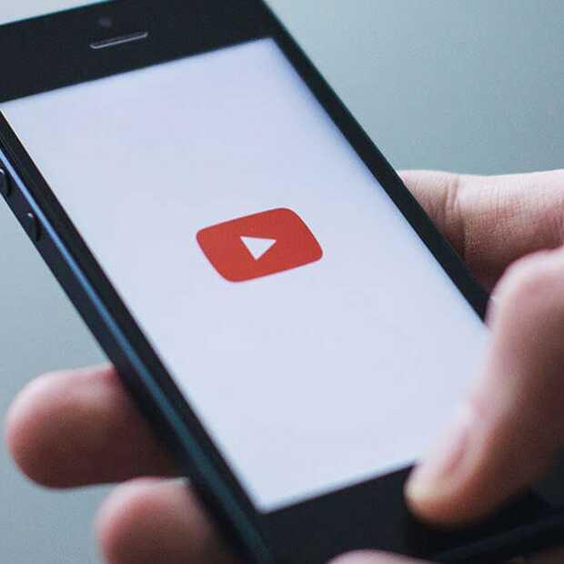 YouTube geeft informatie bij video's over de bron van nieuws