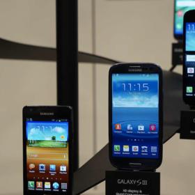 Samsung viert het 10-jarig Galaxy-jubileum met de Galaxy S10